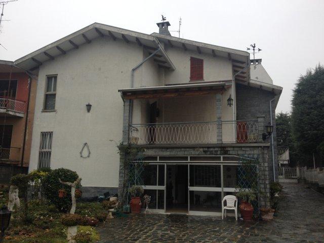 Stradella (PV) Via Di Vittorio Villa bifamiliare Rif. 086