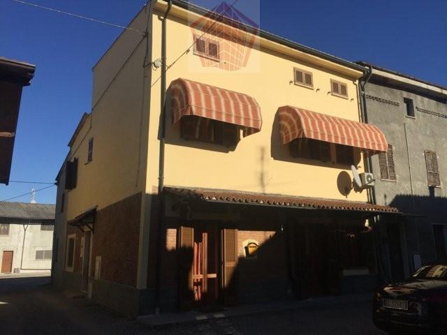Arena Po (PV) Ripaldina Casa singola in corte Rif. 057