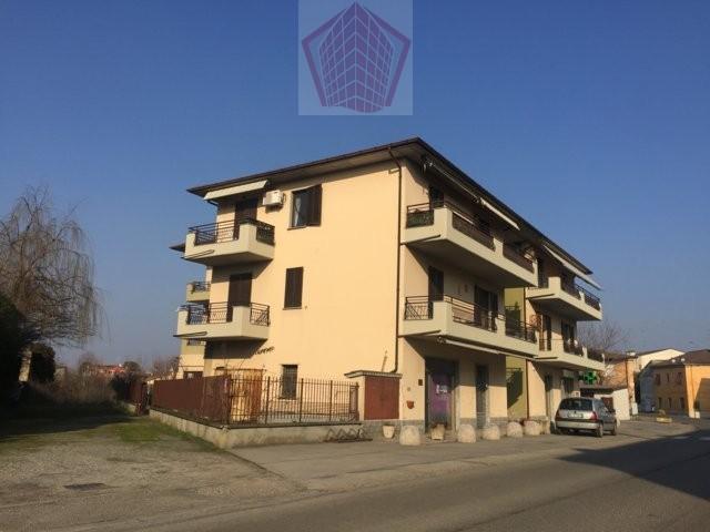 Portalbera (PV) Appartamento trilocale con box RIf. 064