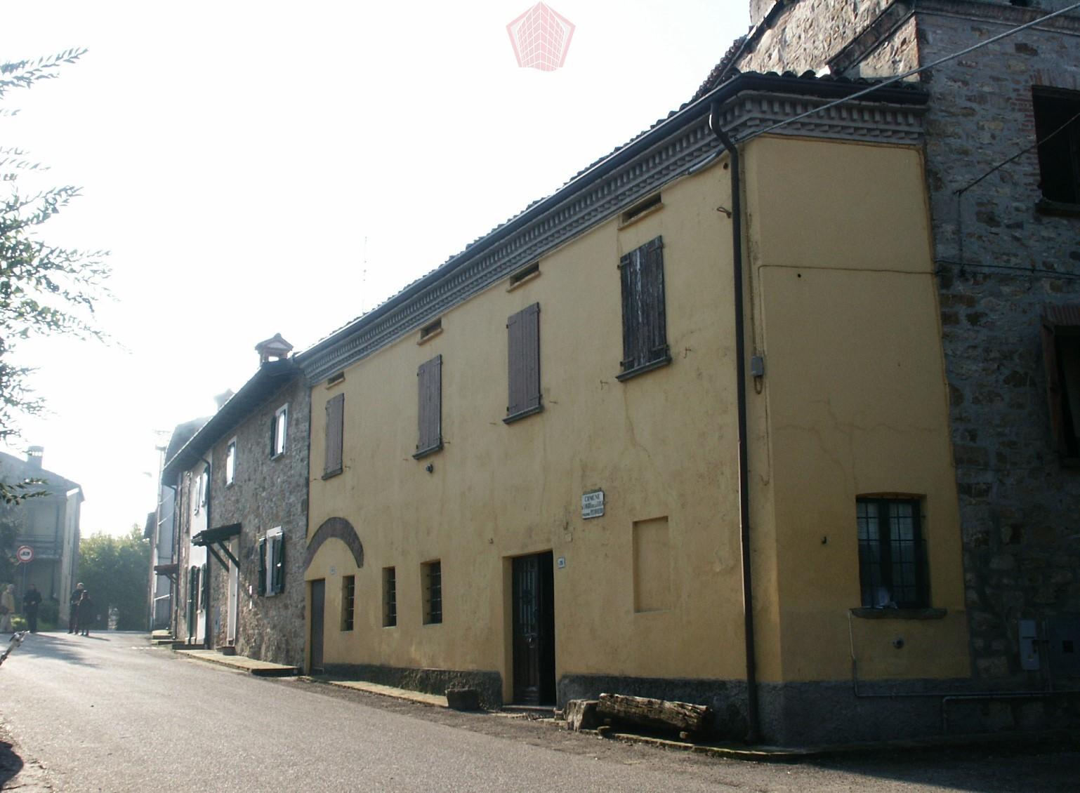 Pizzofreddo (PV) Casale storico con torre colombaia del 300 Rif. 078