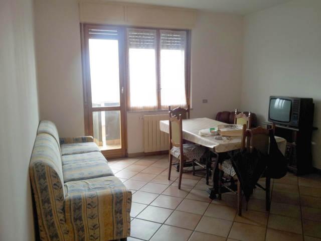 Stradella (PV) Via Brodolini Appartamento A REDDITO trilocale doppi servizi con box  Rif. 125