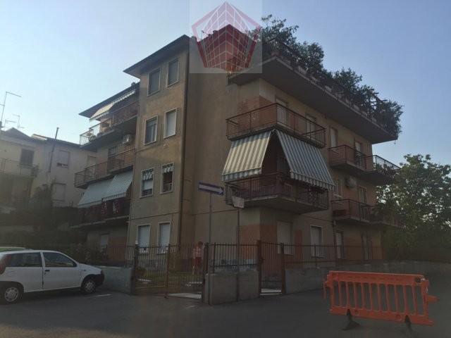 Stradella (PV) Via De Amicis Appartamento trilocale doppi servizi con box Rif. 114