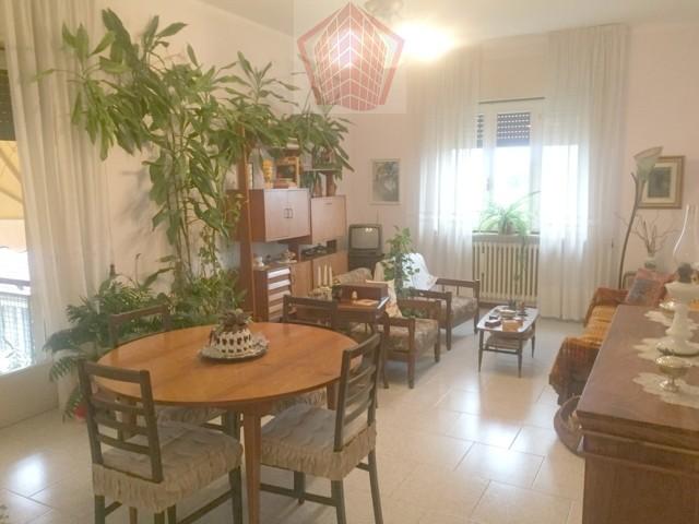 Stradella (PV) Via N. Sauro Appartamento quadrilocale con posto auto  Rif. 110