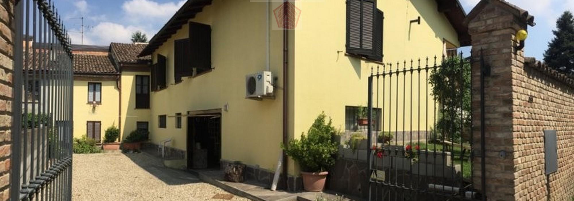 Torricella Verzate Loc. Fumo (PV) Villa singola con dependence Rif. 121