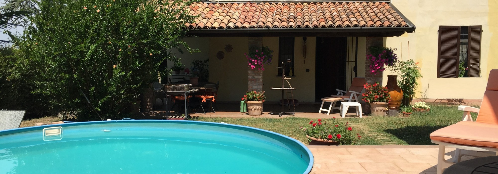 San Damiano al Colle (PV) In frazione Casale del '600 con depandance e piscina Rif. 124