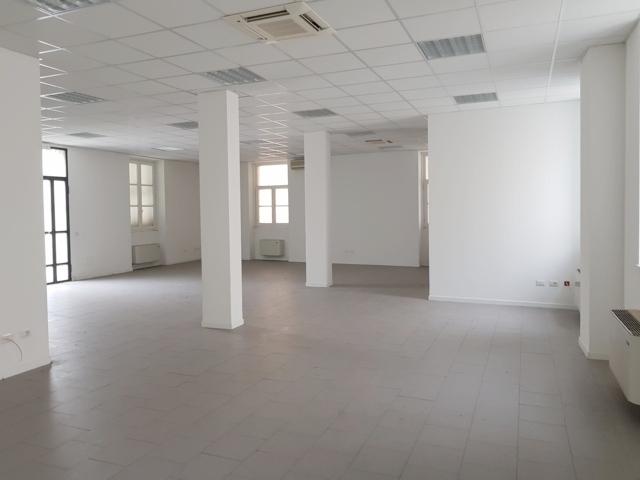 Stradella (PV) Via Cavour VENDITA LOFT Soluzione open space piano terreno Rif. 161