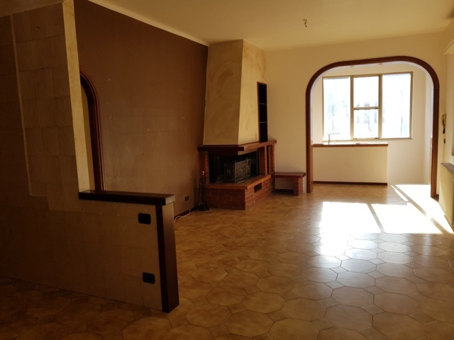 Stradella (PV) Centro AFFITTO Casa indipendente non arredata Rif. 165