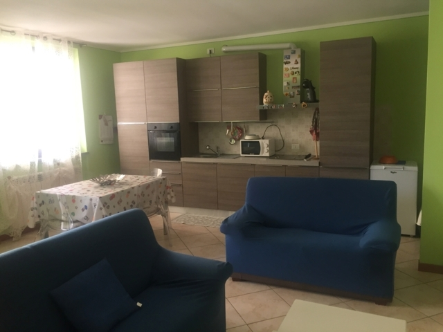 Stradella (PV) Via Alberici VENDITA Appartamento trilocale con giardino Rif. 175