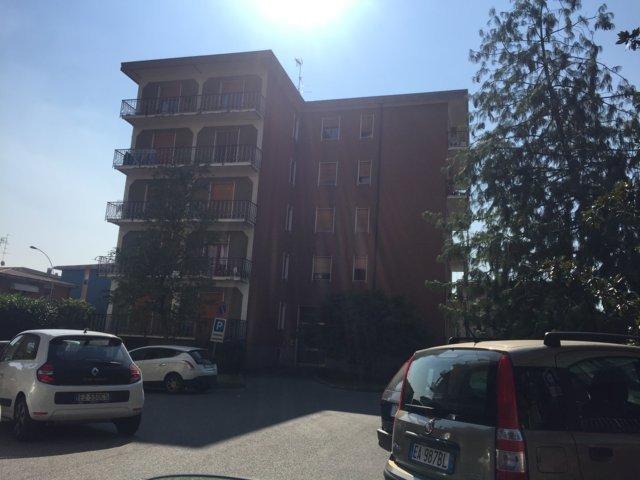 Stradella Zona Giardini pubblici VENDITA Appartamento trilocale con box Rif. 181