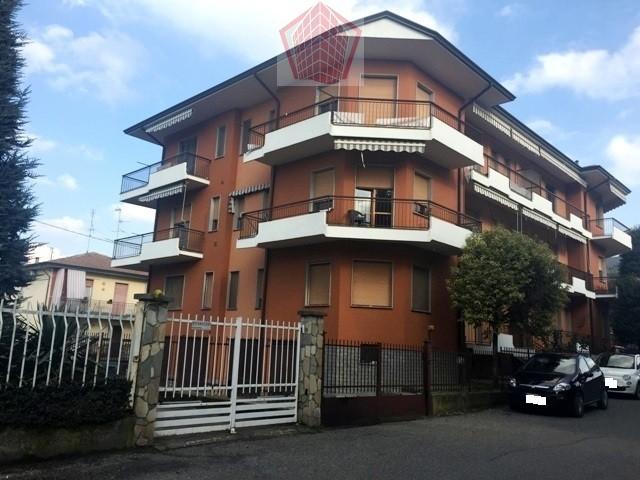 BRONI (PV) Via Piemonte VENDITA Appartamento trilocale termo autonomo Rif. 179