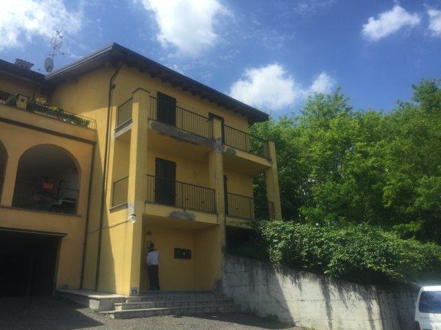 Stradella (PV) Loc. Casamassimini Appartamento trilocale in villa con box Rif. 191