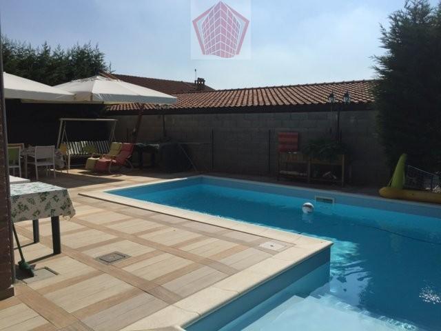 Mezzanino PV VENDITA Raffinata Villa con piscina Rif. 194