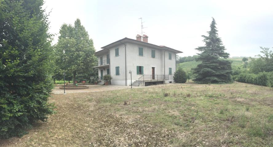 Montu' Beccaria (PV) VENDITA Villa bifamiliare con parco Rif. 201