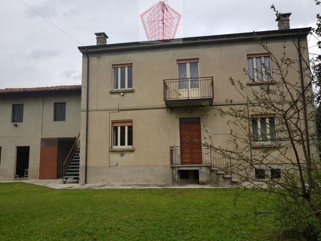Zenevredo (PV) VENDITA Casa singola con giardino e dependence Rif. 202