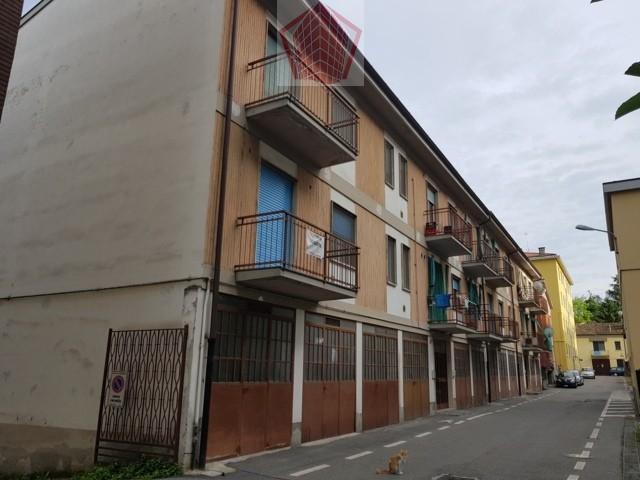 Stradella (PV) VENDITA Appartamento trilocale con box auto Rif. 203