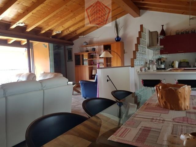 Broni (PV) Primissima collina Oltrepo Pavese VENDITA Casa finemente ristrutturata con vista panoramica Rif. 205