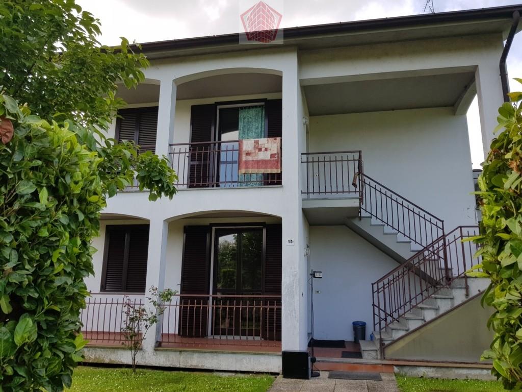 San Cipriano Po (PV) villa bifamiliare  Rif. 225