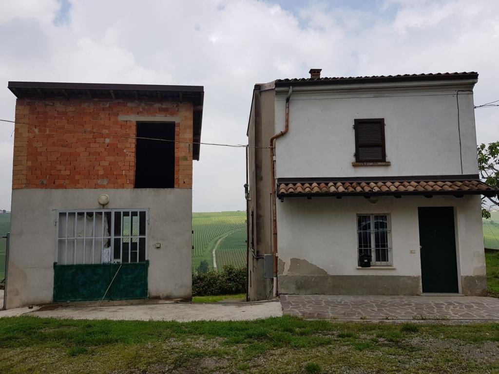 Montù Beccaria AFFITTO Casa con cascina Rif. 208
