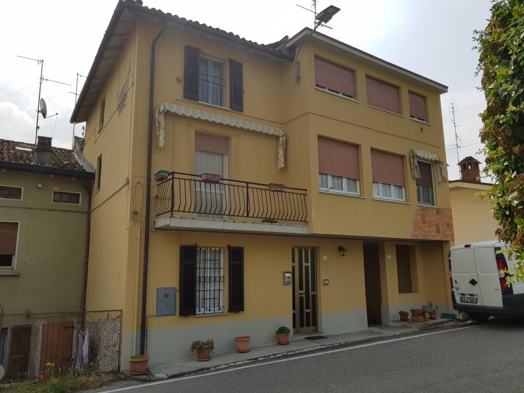 Santa Maria della Versa (PV) Oltrepo Pavese VENDITA Casa singola con giardino Rif. 207