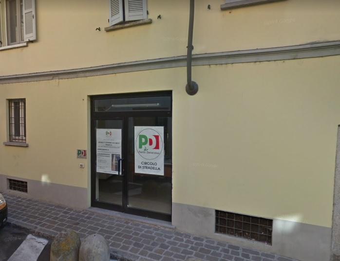 Stradella (PV) Via Cavour VENDITA Negozio una luce Rif. 219