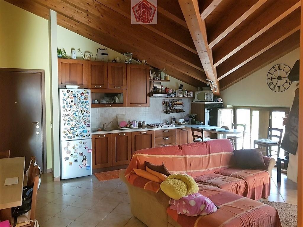 Stradella (PV) Via Alberici VENDITA Appartamento trilocale ultimo piano Rif. 232