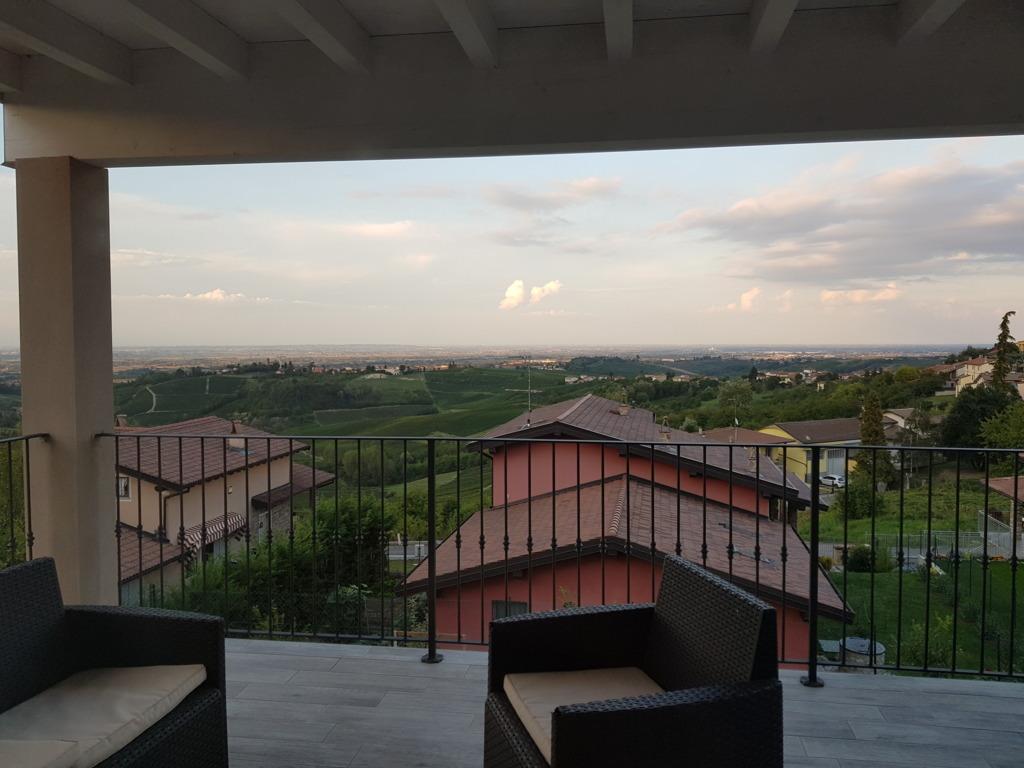 Montù Beccaria (PV) Villa recentissima in classe B Terrazzi panoramici Rif. 234