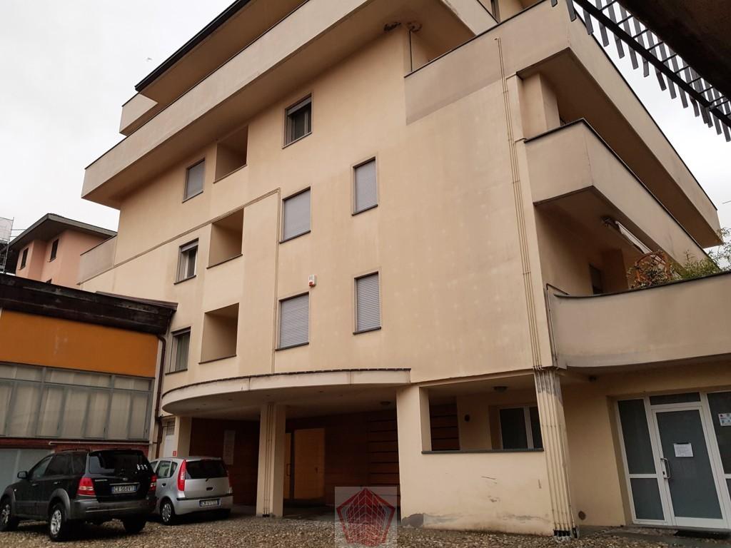 Stradella (PV) Centro VENDITA Appartamento trilocale con doppi servizi CLASSE A Rif. 248