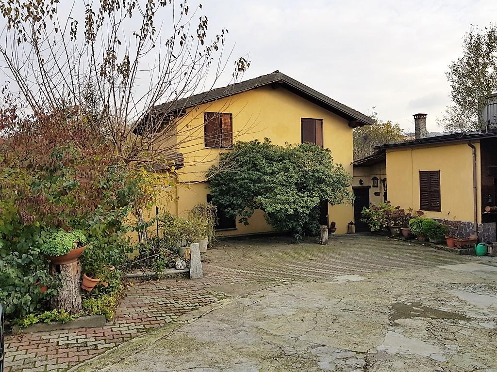 Canneto Pavese (PV) Proprietà immobiliare bifamiliare  Rif. 258