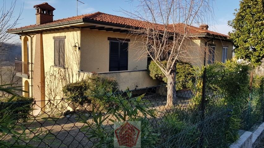 Canneto Pavese VENDITA Villa singola con giardino Rif. 275