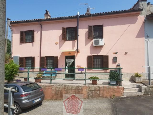 Arena Po (PV) Ripaldina VENDITA Casa con cappotto termico Rif. 305
