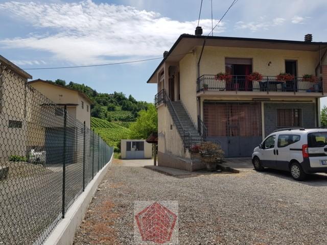 Montù Beccaria PV VENDITA Villa singola con locale artigianale Rif. 317