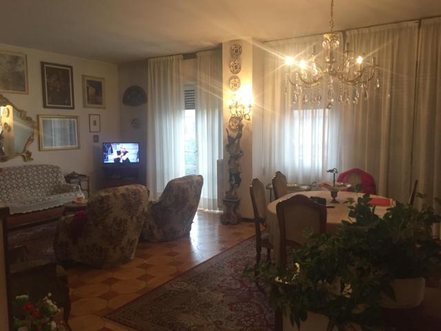Stradella PV VENDITA Appartamento quadlrilocale con doppi servizi Rif. 313