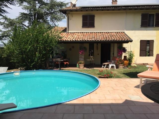San Damiano al Colle PV VENDITA Casale di campagna con piscina Rif. 312