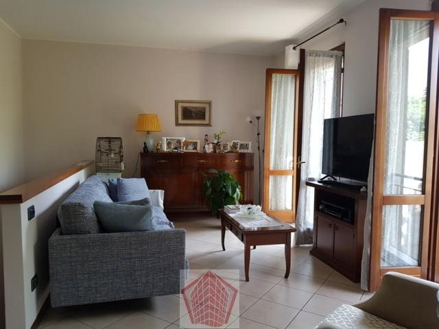 BRONI (PV) Zona Recoaro VENDITA Casa ristrutturata con box Rif. 321