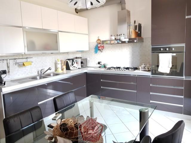 Stradella PV Via Ticino VENDITA Appartamento quadrilocale Rif. 320