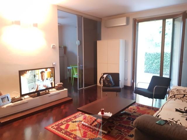 STRADELLA (PV) VENDITA Appartamento in villa con giardino Rif. 322