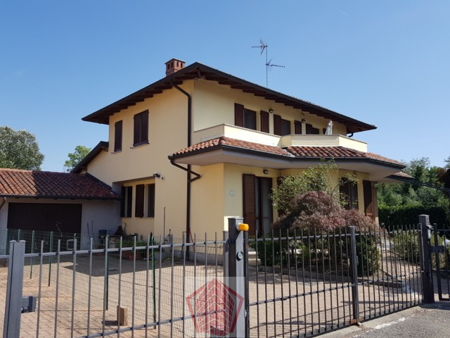 Albaredo Arnaboldi (PV) VENDITA Recente villa bifamiliare Rif. 326