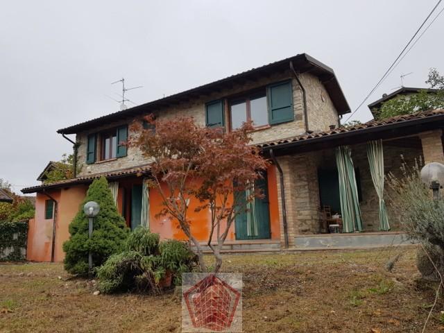Golferenzo (PV) VENDITA Casa  in sasso con giardino Rif. 333