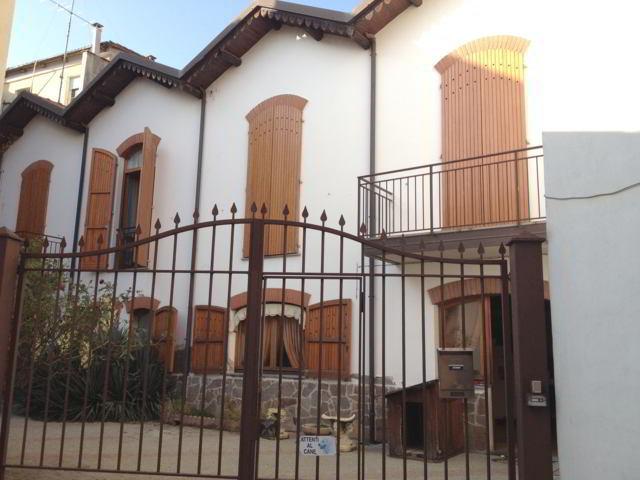 Stradella (PV) Centro VENDITA Casa singola con box e cortile Rif. 340