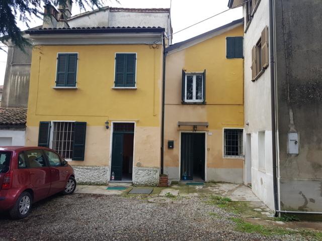 Montescano Casa bifamiliare con posto auto Rif. 341