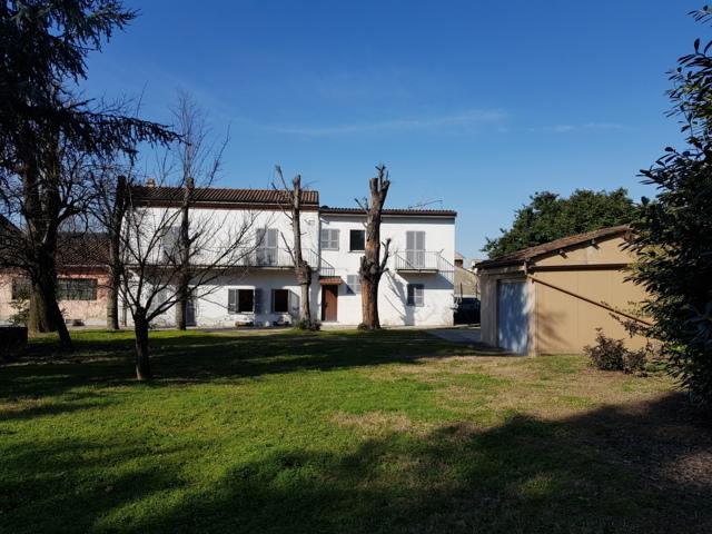 Stradella (PV) VENDITA Casa padronale con dependence e parco privato Rif. 360