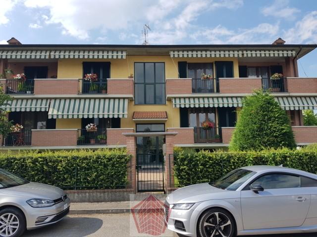 Portalbera (PV) VENDITA Appartamento trilocale doppi servizi Rif. 380