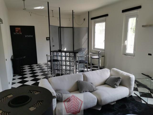 Broni (PV) Via Reg. Gioiello VENDITA Appartamento con terrazzo Rif. 572