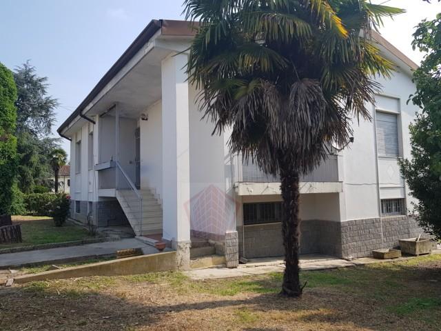 Pietra De Giorgi (PV) Fraz. Scorzoletta VENDITA Villa con giardino Rif. 382