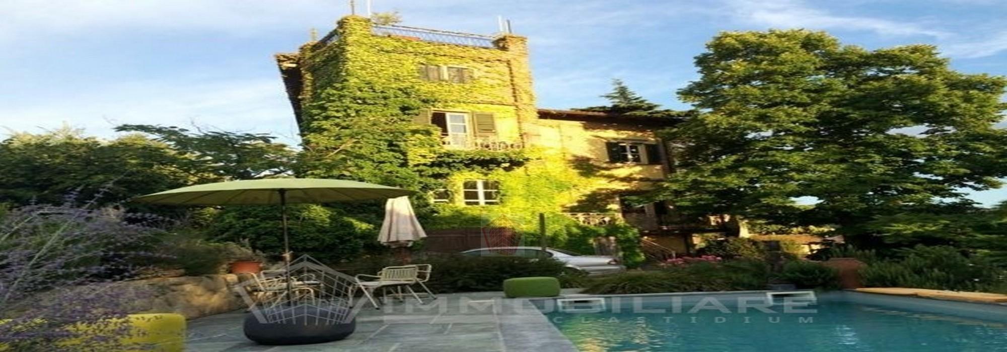 Borgo Priolo (PV) VENDITA Dimora storica con piscina Rif. C215