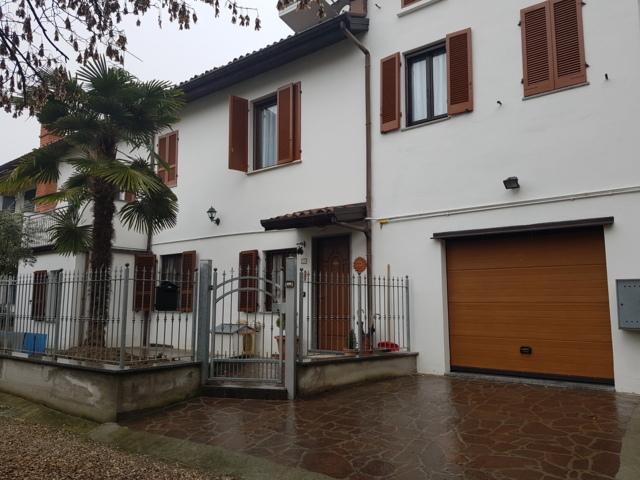 Stradella (PV) Centro VENDITA  Casa indipendente con giardinetto Rif. 609