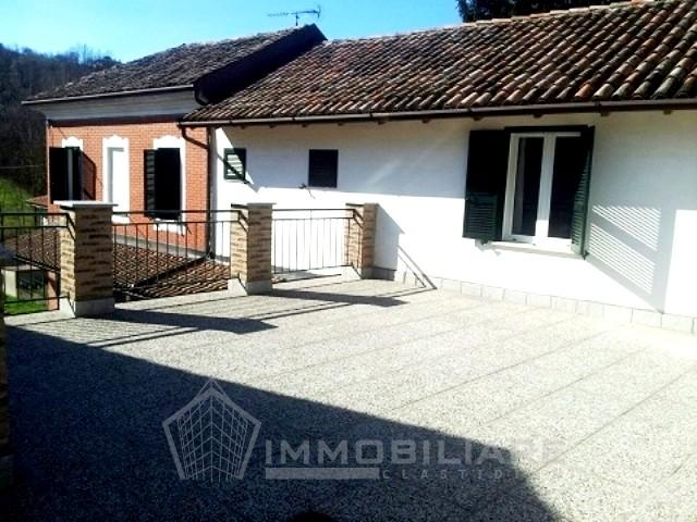 Torricella Verzate (PV) VENDITA Casa di ampia metratura ristrutturata Rif.C212