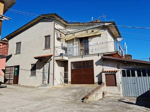 Montu' Beccaria (PV) VENDITA Case bifamiliari in cortile privato Rif. 623