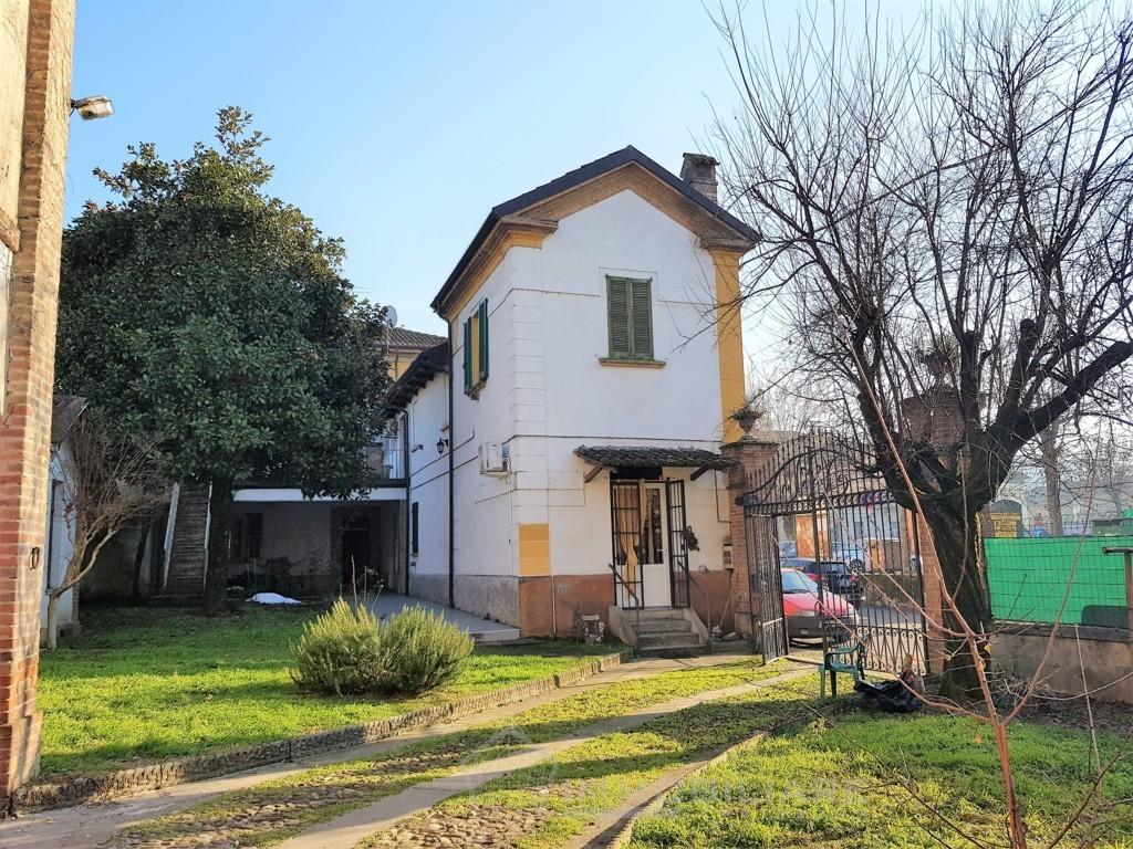 Montebello Della Battaglia (PV) VENDITA palazzina completa  con 7 appartamenti Rif.C358