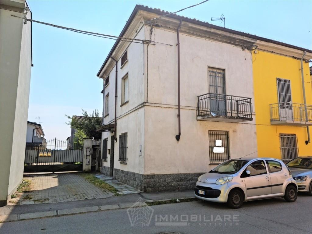 Lungavilla (PV) VENDITA casa semindipendente centralissima con box Rif.C350